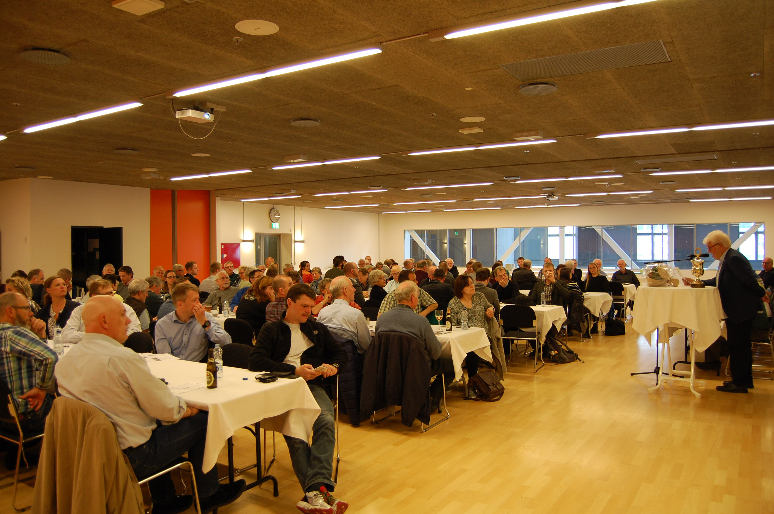 SIFAs formand Keld Jensen byder velkommen til de fremmødte til Repræsentantskabsmødet 2. maj 2016.